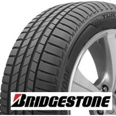 Bridgestone Turanza T005 je velmi kvalitní pneumatika spadající do prémiového segmentu. Tato letní pneumatika přináší všestranné jízdní vlastnosti a oceníte ji jak na mokré tak suché vozovce. Díky velmi dobré brzdné dráze umocní Bridgestone T005 jistotu za volantem a zpříjemní tak cestování.