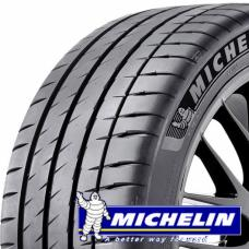 Pneumatiky Michelin pilot sport 4 jsou sportovní pneumatiky s nekompromisními vlastnostmi. Tyto pneumatiky jsou navrženy tak, aby se jízda stala požitkem. Základní vlastnosti pneumatiky Michelin Pilot Sport 4: - výborná kontrola nad vozidlem - přesná reakční doba - vysoká míra bezpečnosti na mokrém povrchu - skvělá životnost a vysoký kilometrový nájezd - vyvinuto s výrobci automobilů pro dokonalou souhru pneumatiky s vozem