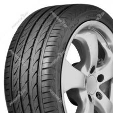 Letní pneumatiky DELINTE DH2 jsou moderní pneumatiky, které přinášejí vysoký jízdní komfort a užitné jízdní vlastnosti. Asymetrický design pneumatiky umožňuje dobrou manévrovatelnost na suché i mokré vozovce a běhoun se čtyřmi širokými podélnými drážkami je odolný vůči vzniku aquaplaningu. 3D lamely se rovnoměrně sjíždí a pneumatice tak zajišťují rovnoměrné opotřebení a nízkou hlučnost.