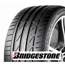 Letní prémiová pneumatika Bridgestone Potenza S001 je ideální kombinace sportovních vlastností a komfortní jízdy. Pokud si chcete užít maximální jízdu, využijte vlastností maximálně výkonné pneumatiky - Potenza S001. Pomocí nového bloku s optimální tuhostí nabízí pneumatika lepší trakci a lepší brzdný výkon. Jedná se o ideální kombinaci funkcí, které nabízí vysokorychlostní pneumatika s tichou, pohodlnou a  bezpečnou jízdou.