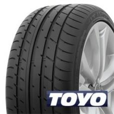 Premiové pneumatiky TOYO T1 SPORT patří mezi sportovně založené letní pneumatiky, které poskytují komfortní a zároveň sportovní jízdu bez komromisů. Tyto pneumatiky jsou tiché a výborně vedou i v zatáčkách při vyšších rychlostech. Jejich vlastnosti se nijak radikálně nezhoršují ani na mokru, takže jízda za deště je bezpečnější. Kromě dobrého výkonu a komfortu pneumatiky Toyo proxes T1 sport nabízejí také nízký valivý odpor, čímž se zvyšuje jejich životnost a sniže se také spotřeba paliva.
