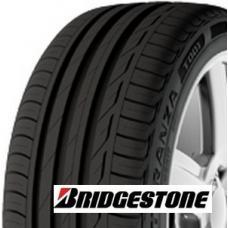 Letní pneumatika Bridgestone Turanza T001 je novou vlajkovou lodí v oblasti cestovních pneumatik od společnosti Bridgestone. Díky vyspělé konstrukci běhounu a pokrokové technologii běhounu se zaměřením na bezpečnost, životnost a komfort se tato pneumatika řadí do TOP produktů v daném segmentu. Postupně by tato pneumatika měla nahrazovat velmi oblíbenou pneu Bridgestone Turanza ER300. Bridgestone Turnza T001 se zaměřuje na vozy od kompaktních modelů až po premiové sedany. Tyto pneu jsou zkonstruovány tak, aby ideálně zkombinovali bezpečnost a hospodárný provoz.   Bezpečnost: Díky pokrokovému dezénu s vysokým obsahem siliky, který zajišťuje optimální kontakt s vozovkou je dosažena maximální brzdná dráha a bezpečná ovladatelnost. Asymetrický dezén se širokými odvodňovacími drážkami zajišťuje vysokou odolnost vůči aquaplaningu. Oproti pneumatice Bridgestone ER300 vykazuje T001 o 2% kratší brzdnou dráhu na mokru. Hospodárný provoz: Tvar a konstrukce kostry u této pneu jsou optimalizovány tak, aby bylo dosaženo co možná nejlepšího kompromisu mezi dobrou ovladatelností a jízdním komfortem. Bridgestone T001 již dnes splňuje hlukové normy, které by měli platit od roku 2016. Vyvážené vlastnosti pneumatiky Bridgestone Turanza T001 jsou docílené také unikátní patentovanou směsí Bridgestone NanoPro-Tech™ zajišťující mimo jiné nízký valivý odpor a sníženou spotřebu paliva.
